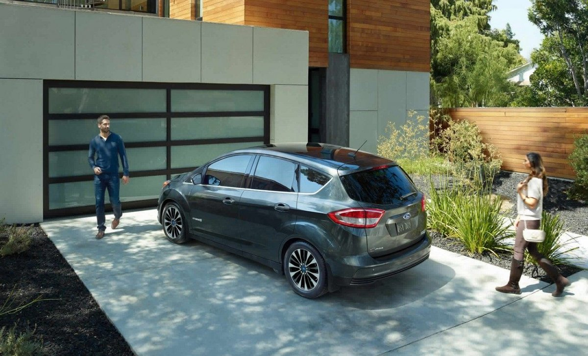 Ford C-Max Hybrid 2018 - car insurance - family car parking side rear back view photo