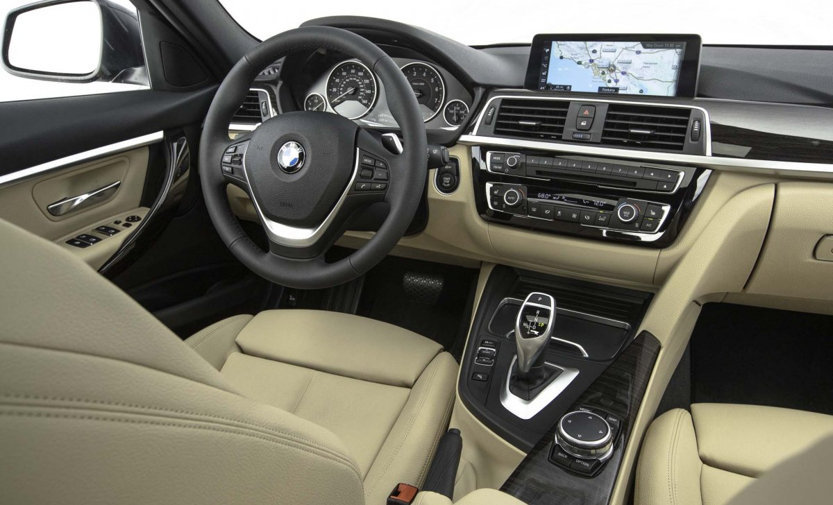 BMW 328 - car insurance - 2017/2018 - interior, leather