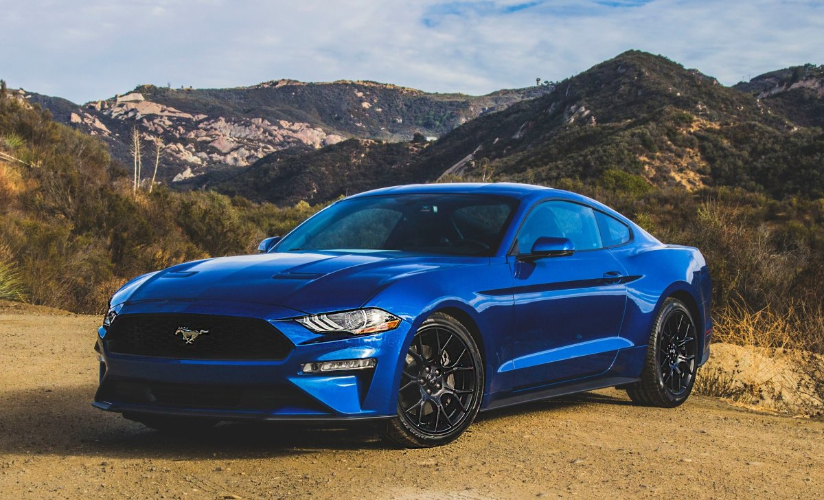 2018 ford mustang car insurance blue color