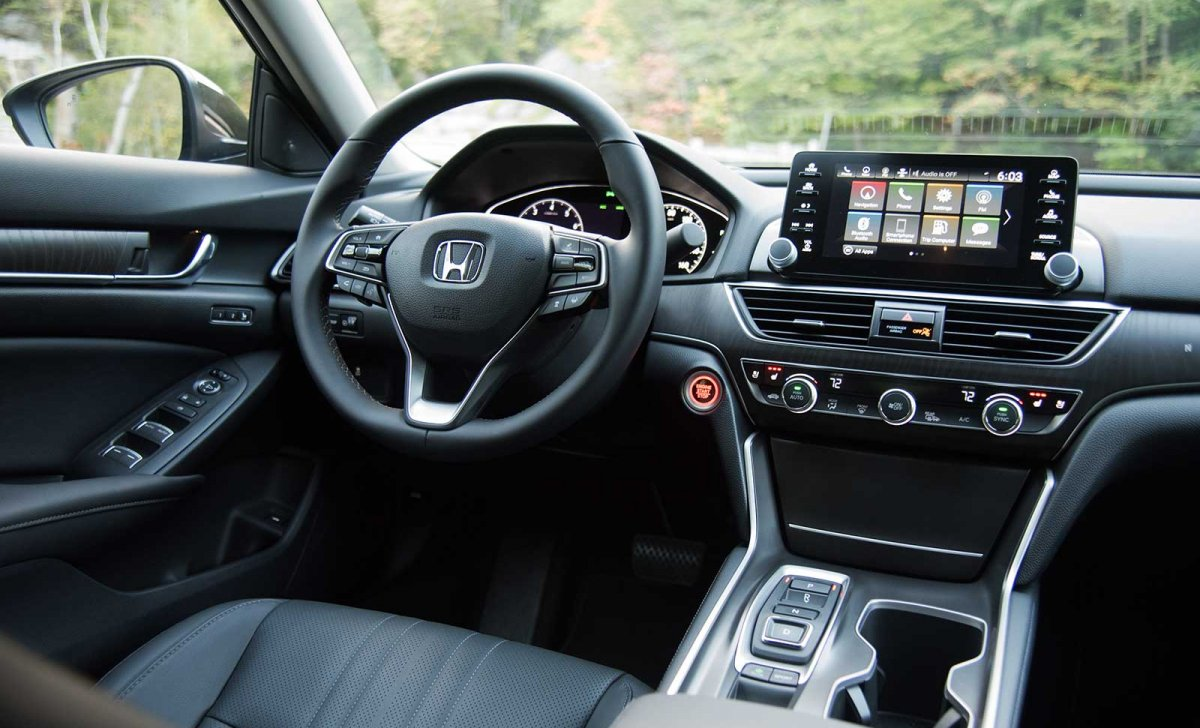 Car insurance for Honda Accord 2018 - interior HD wallpaper