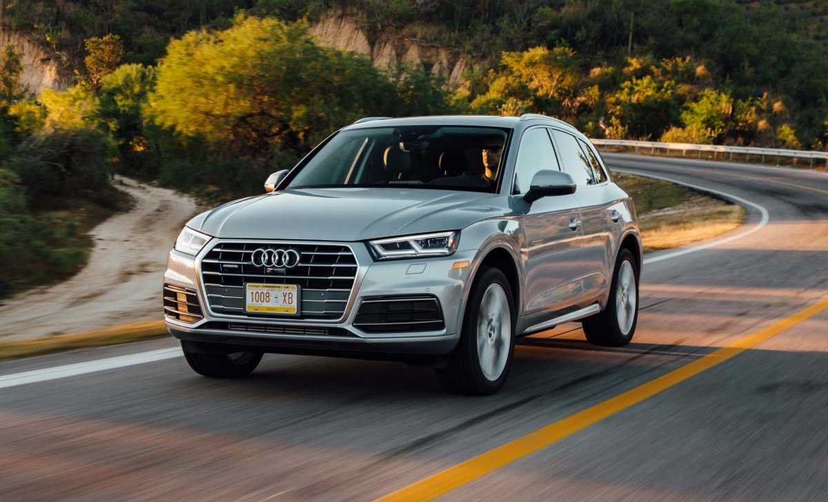 Audi Q5 2018 - car insurance - white, grey front view driving