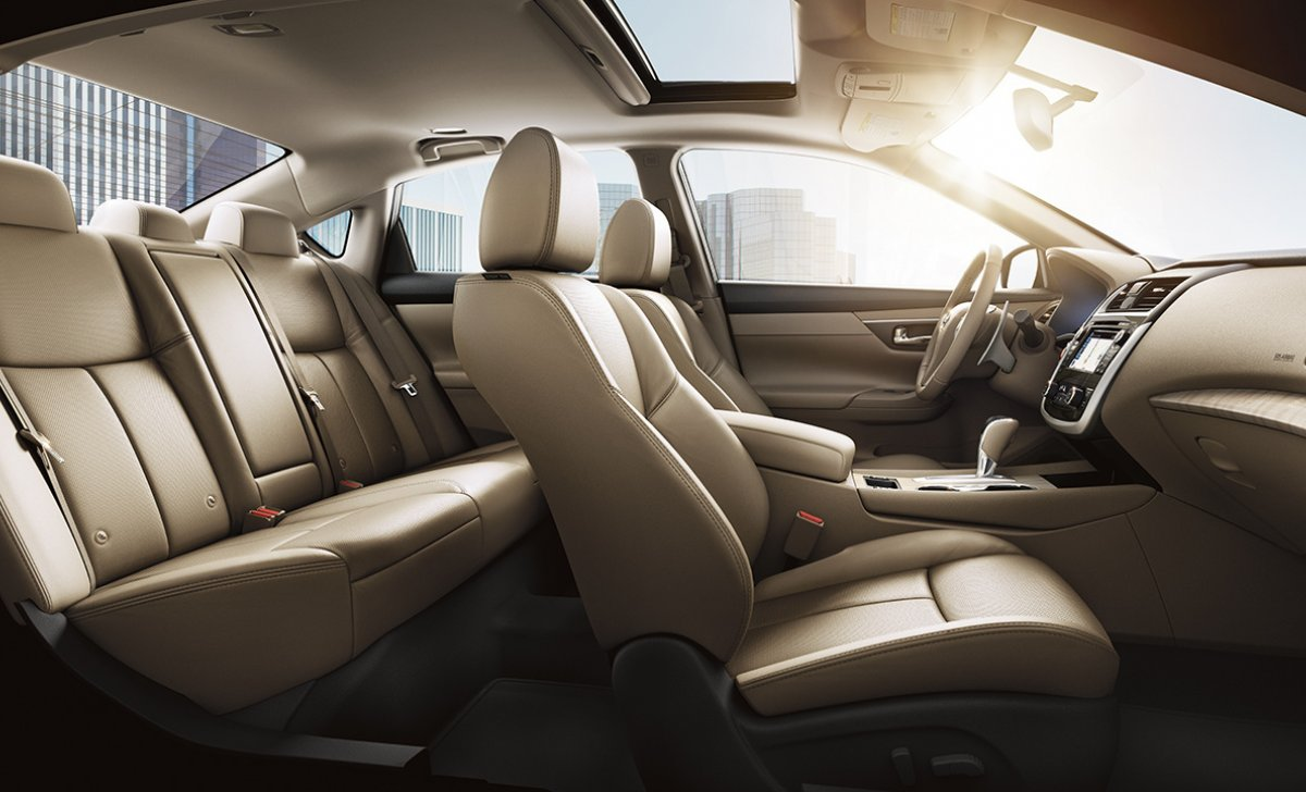 2018-nissan-altima-sedan-interior-seating-beige-leather-original