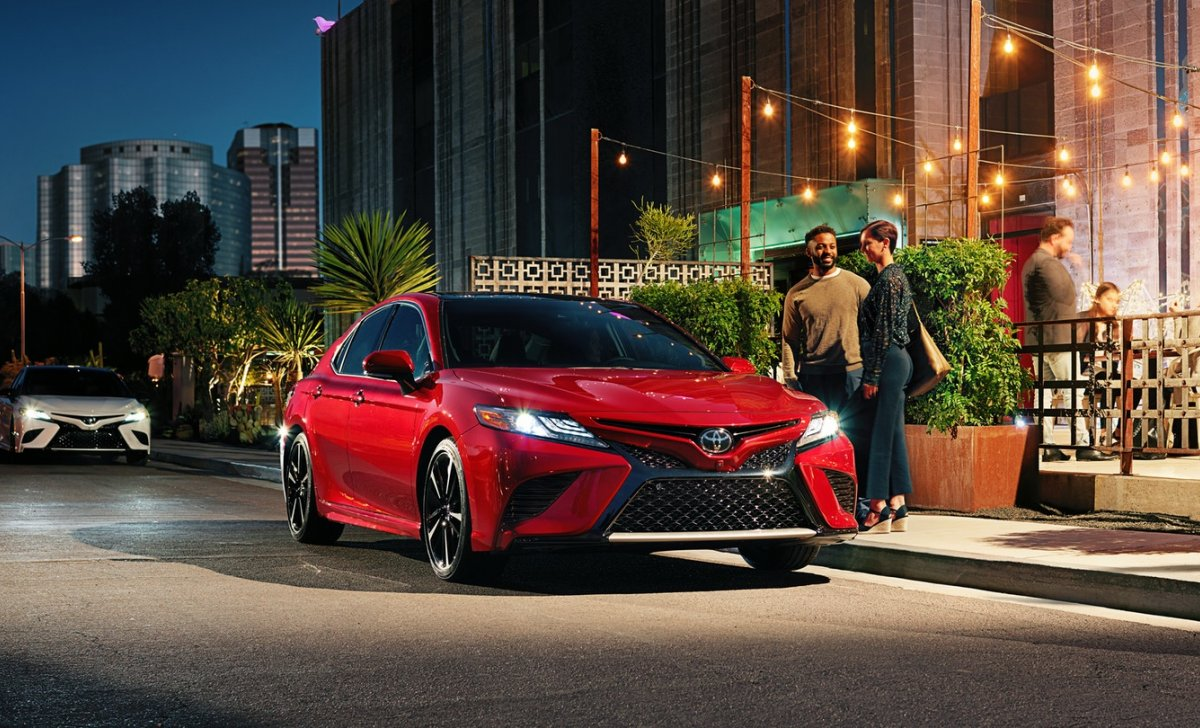 Toyota Camry Hybrid 2018 - car insurance - red color